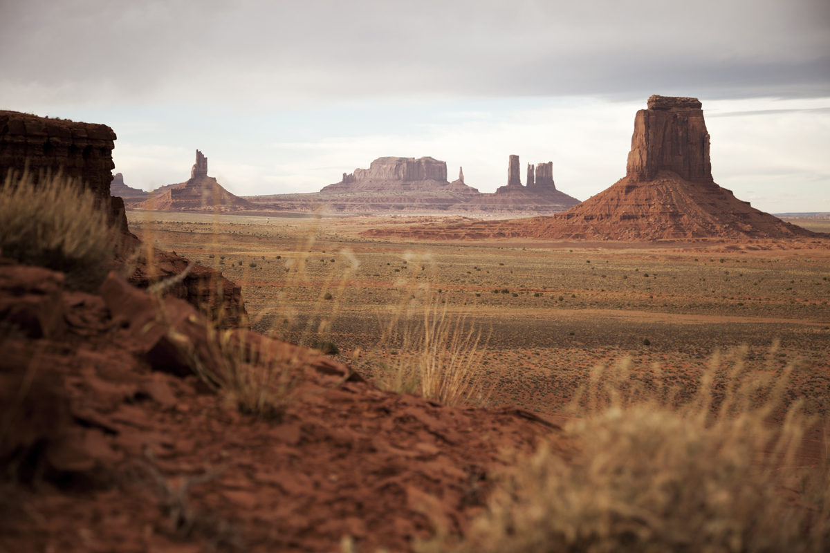 http://westoncolton.com/files/gimgs/16_westoncoltonmonument-valley4867.jpg