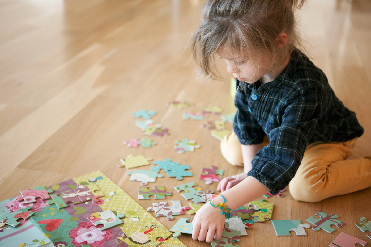 http://westoncolton.com/files/gimgs/17_wcgirl-with-puzzle8640-800px.jpg